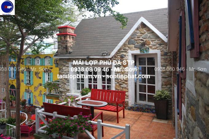 Mái lợp quán cafe sân vườn đẹp