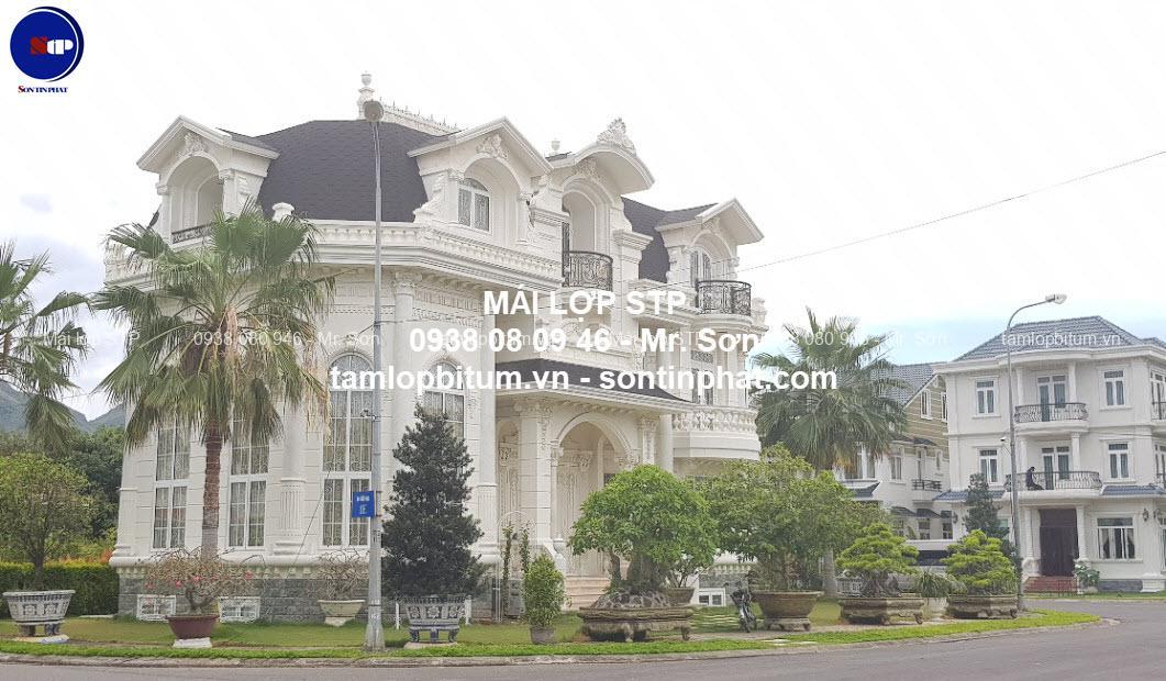 Sửa chữa mái nhà cho biệt thự cổ điển